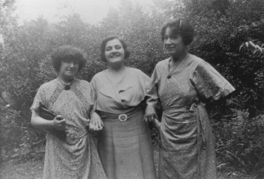 Florence Eaton with her sisters
